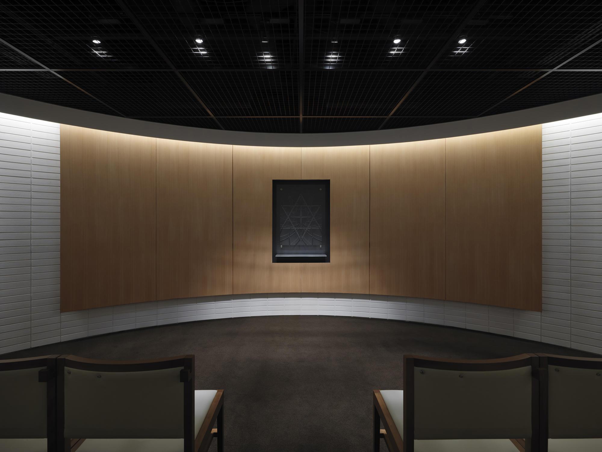 GLA Yatsugatake Charnel House | WORKS |