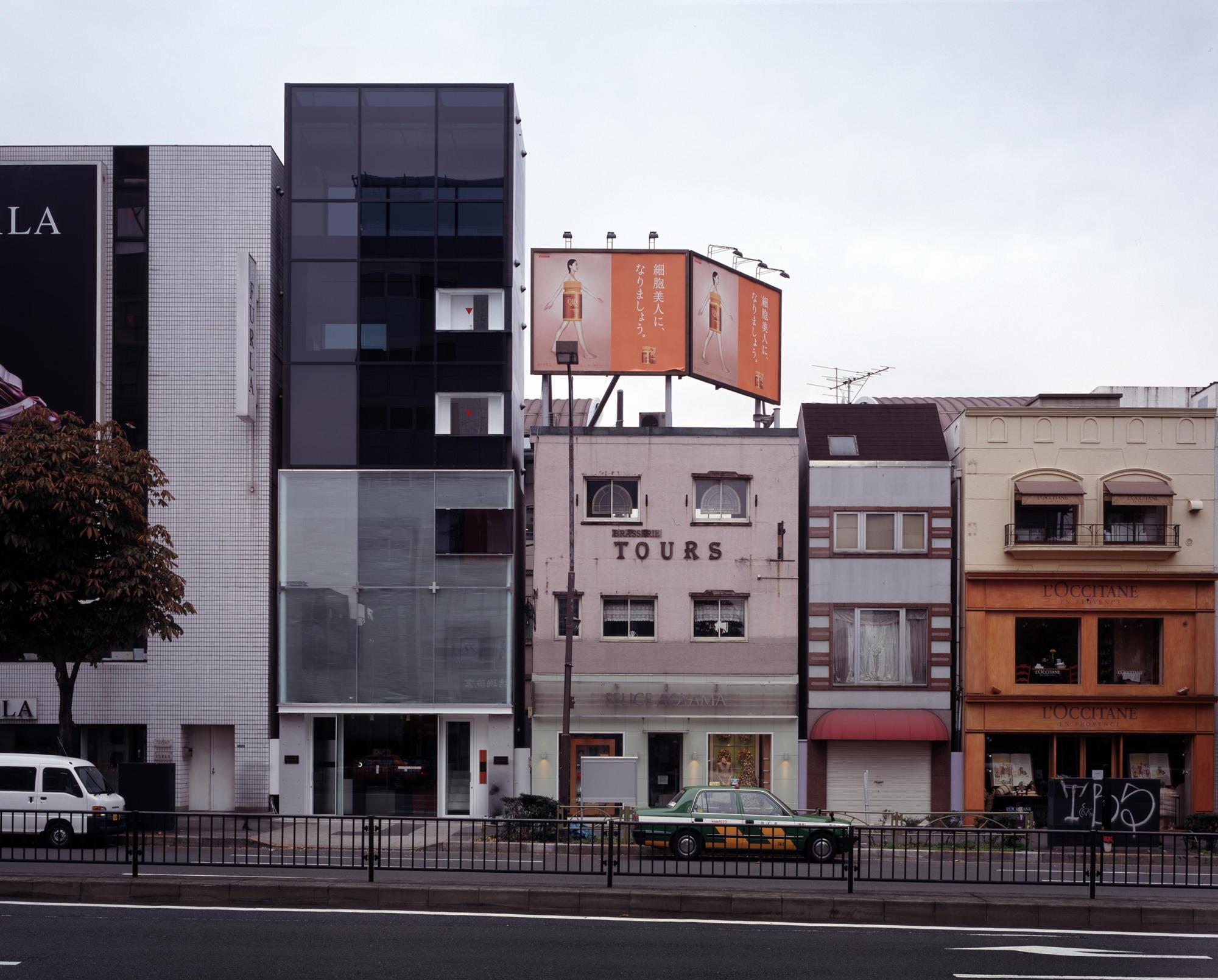 ルナ ディ ミエーレ 表参道ビル | WORKS |