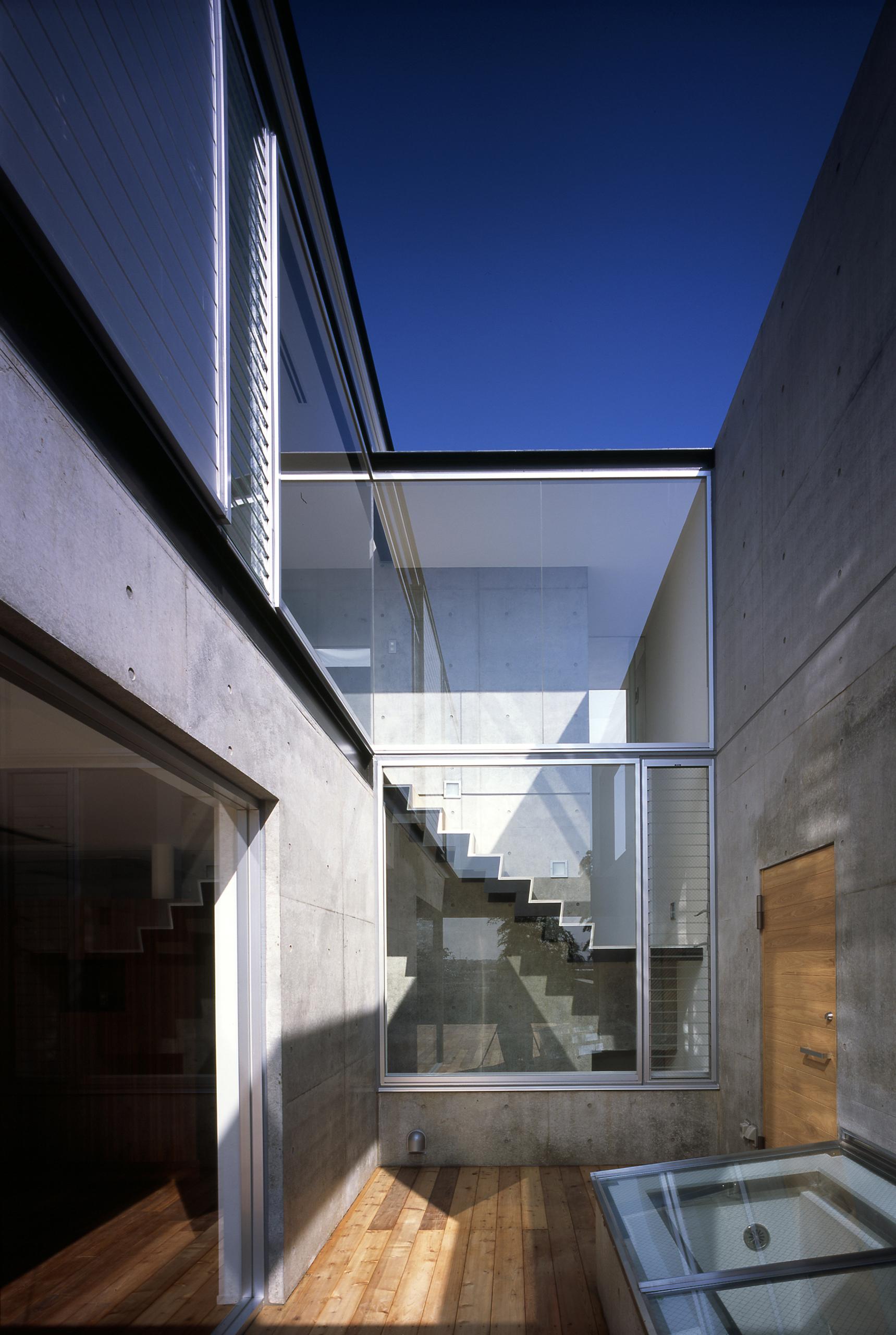 武蔵野段丘の家 | WORKS |