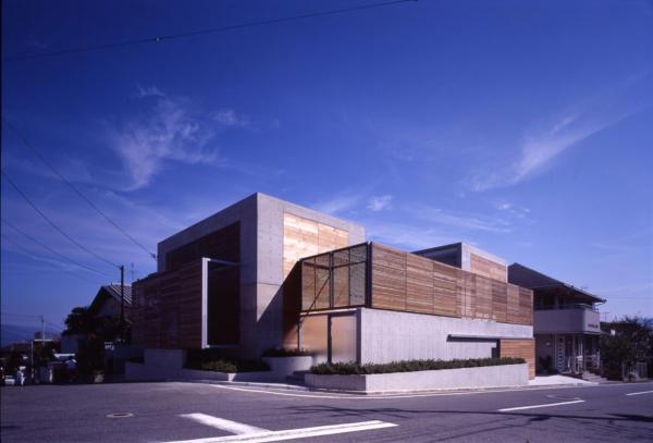 House in Suzaku