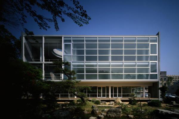 山口大学医学部創立50周年記念会館